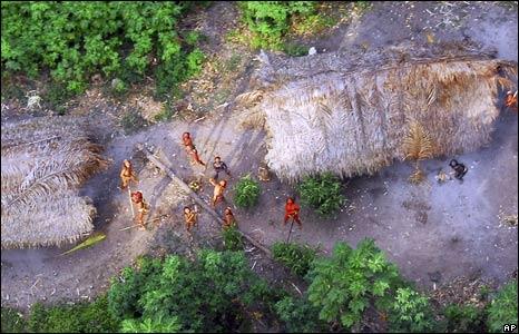 Φυλή ιθαγενών στον αμαζόνιο